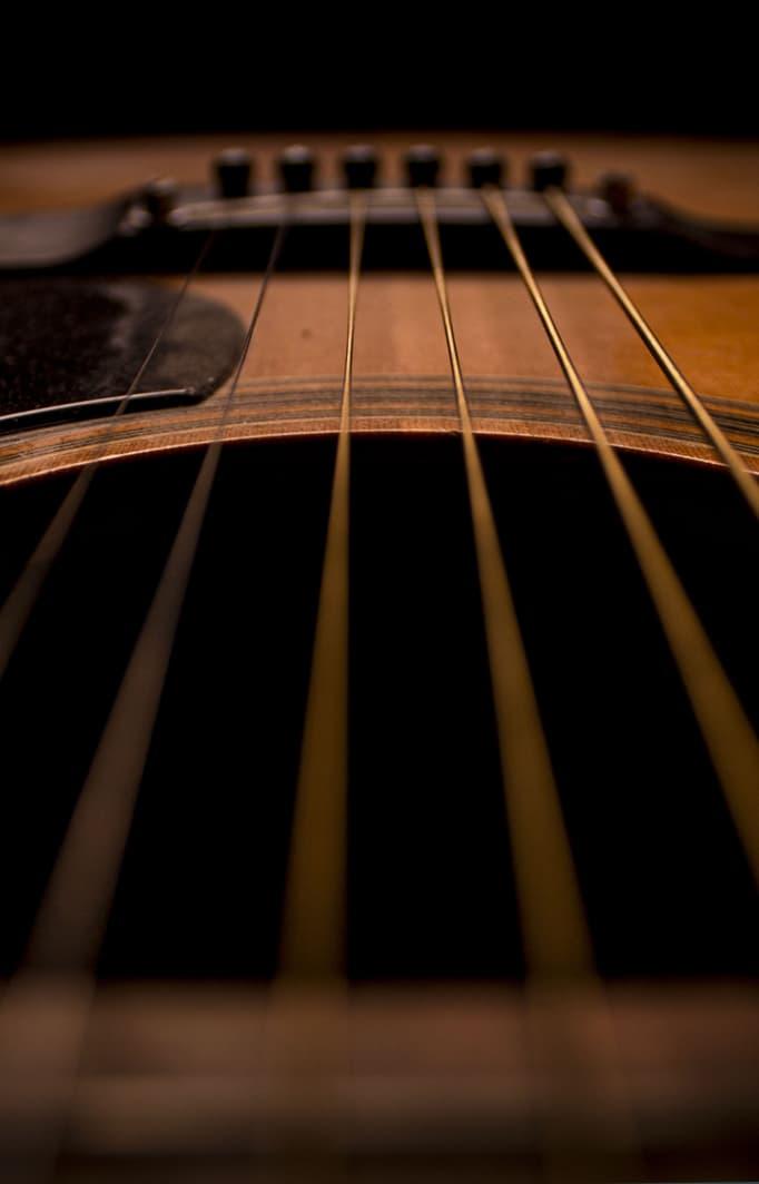 guitar strings at Laconia concert